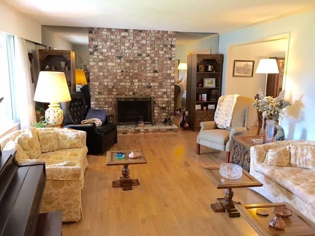 Photo 2: 10551 HOGARTH Drive in Richmond: Woodwards House for sale : MLS(r) # R2075603