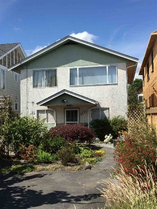 "Main Photo: 3671 BROADWAY Street in Richmond: Steveston Village House for sale in ""STEVESTON VILLAGE"" : MLS® # R2083775"