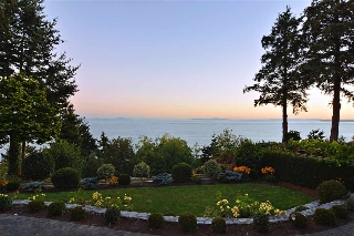 "Main Photo: 12862 13 Avenue in Surrey: Crescent Bch Ocean Pk. House for sale in ""WATERFRONT OCEAN PARK VILLAGE"" (South Surrey White Rock)  : MLS(r) # R2102179"