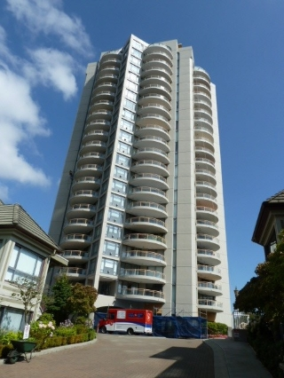 "Main Photo: 2201 4425 HALIFAX Street in Burnaby: Brentwood Park Condo for sale in ""THE POLARIS"" (Burnaby North)  : MLS(r) # R2126412"