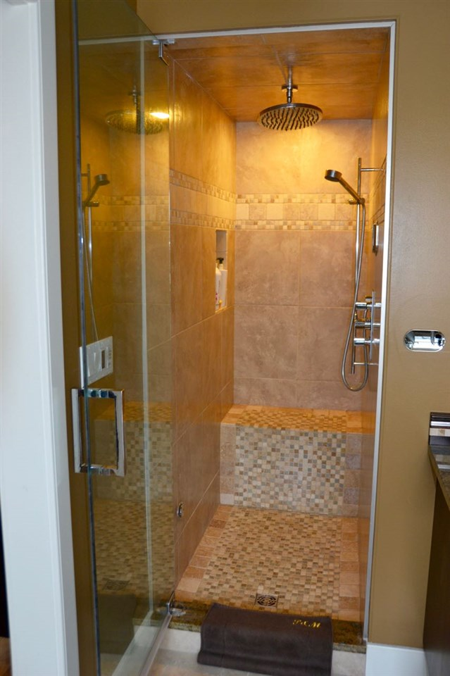 Beautiful & spacious ensuite shower