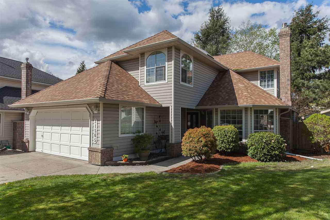 "Main Photo: 21565 87B Avenue in Langley: Walnut Grove House for sale in ""Forest Hills"" : MLS(r) # R2160949"