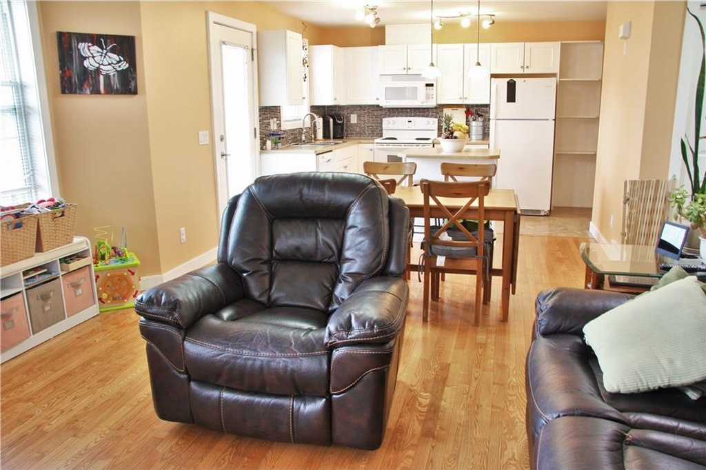 Photo 11: 206 50 WESTLAND Road: Okotoks House for sale : MLS(r) # C4122835