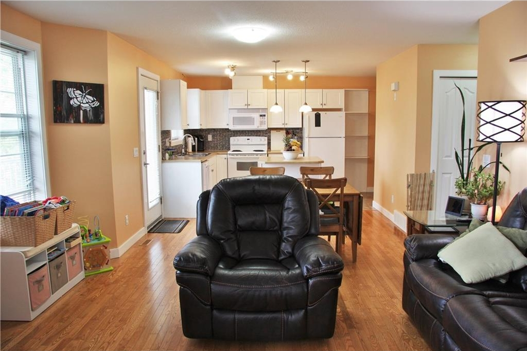 Photo 10: 206 50 WESTLAND Road: Okotoks House for sale : MLS(r) # C4122835