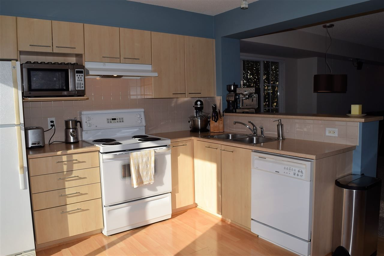 "Photo 3: Photos: 1 20560 66 Avenue in Langley: Willoughby Heights Townhouse for sale in ""Amberleigh 2"" : MLS® # R2219692"