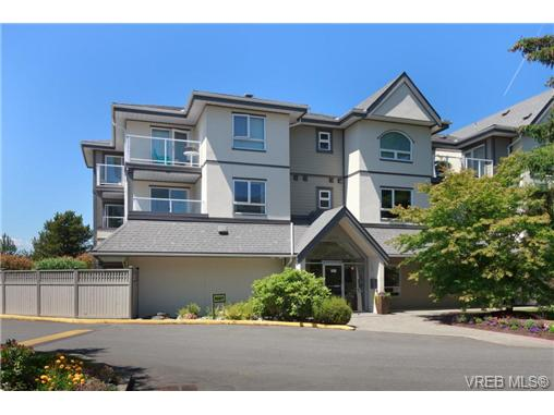 Main Photo: 201 2227 James White Boulevard in SIDNEY: Si Sidney North-East Condo Apartment for sale (Sidney)  : MLS® # 367162