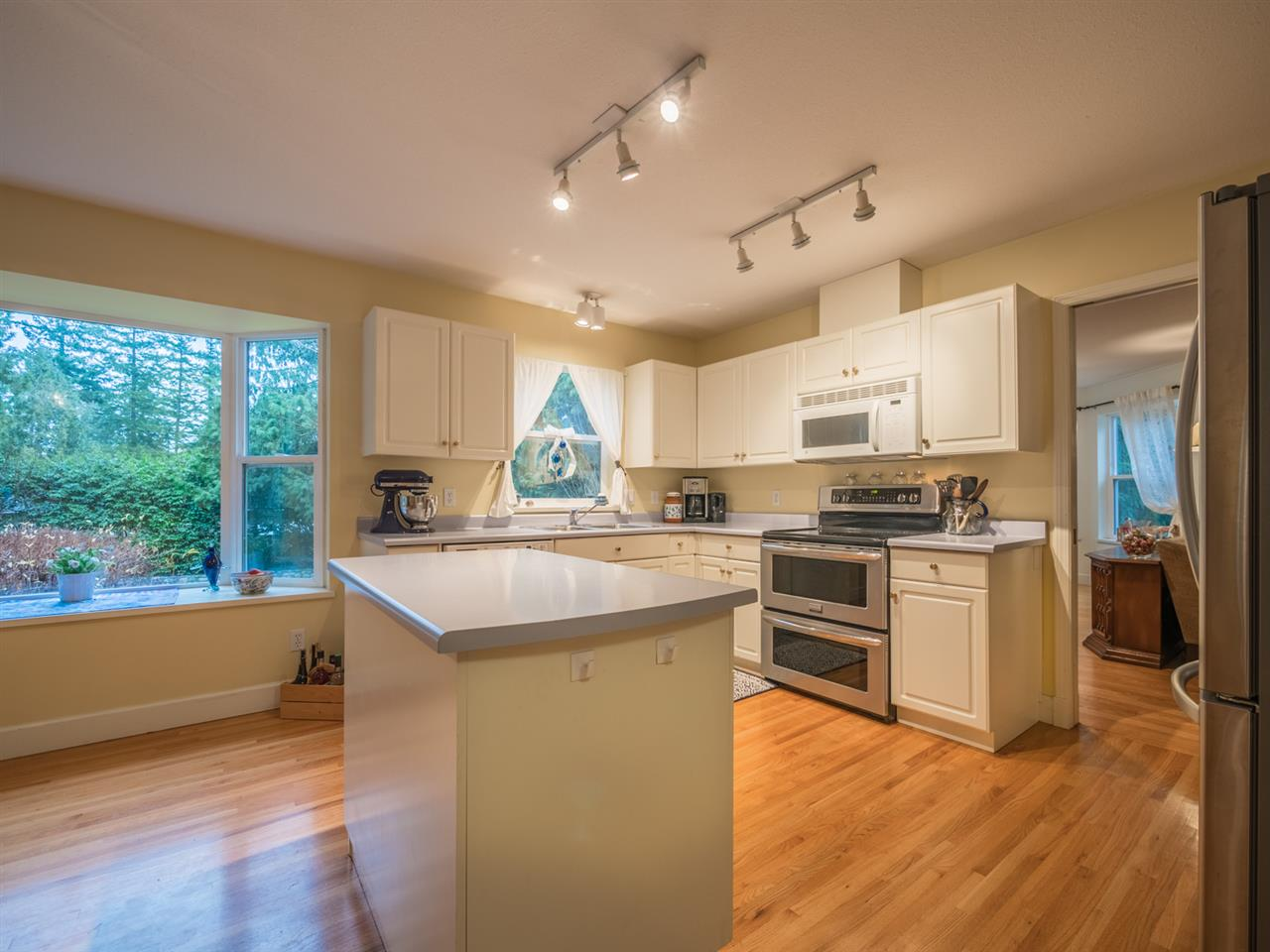 "Photo 3: Photos: 8130 CEDARWOOD Road in Halfmoon Bay: Halfmn Bay Secret Cv Redroofs House for sale in ""WELCOME WOODS"" (Sunshine Coast)  : MLS®# R2228689"