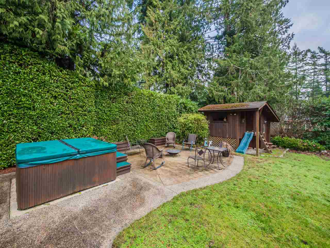 "Photo 14: Photos: 8130 CEDARWOOD Road in Halfmoon Bay: Halfmn Bay Secret Cv Redroofs House for sale in ""WELCOME WOODS"" (Sunshine Coast)  : MLS®# R2228689"