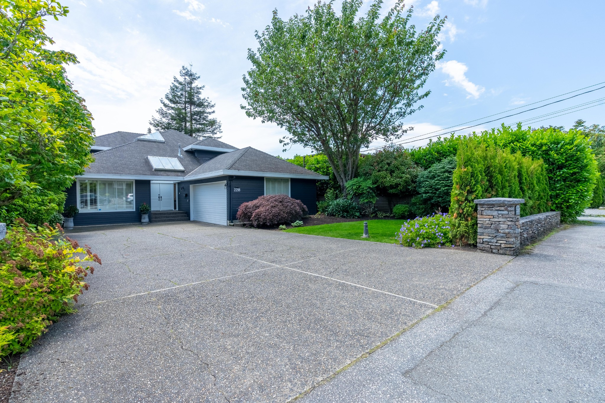 FEATURED LISTING: 2218 INGLEWOOD Avenue West Vancouver