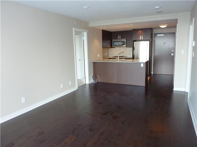 Photo 6: 2704 2978 GLEN Drive in Coquitlam: North Coquitlam Condo for sale : MLS® # V902241