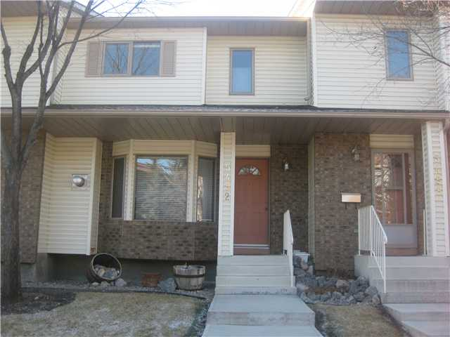 Main Photo: 5492 PATINA Drive SW in CALGARY: Prominence Patterson Townhouse for sale (Calgary)  : MLS(r) # C3500029