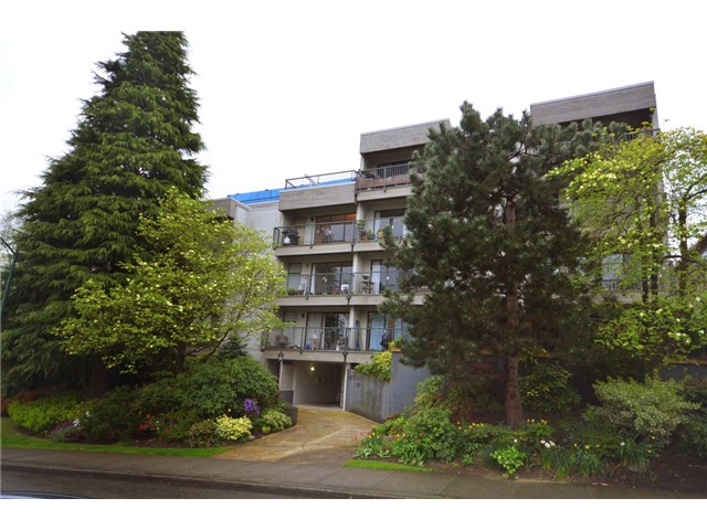 Main Photo: 101 2120 W 2ND Avenue in Vancouver: Kitsilano Condo for sale (Vancouver West)  : MLS® # V972533
