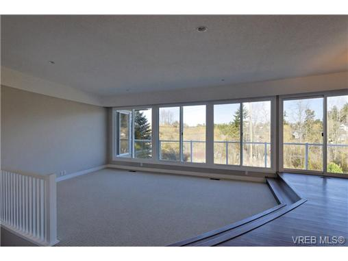 Photo 2: 3948 Interurban Road in VICTORIA: SW Interurban Single Family Detached for sale (Saanich West)  : MLS(r) # 333599