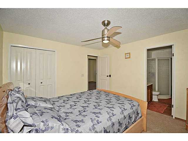 Photo 14: 56 WHITWORTH Road NE in Calgary: Whitehorn Residential Detached Single Family for sale : MLS® # C3638503