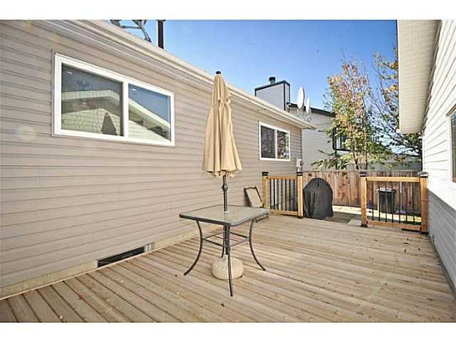 Photo 3: 56 WHITWORTH Road NE in Calgary: Whitehorn Residential Detached Single Family for sale : MLS® # C3638503
