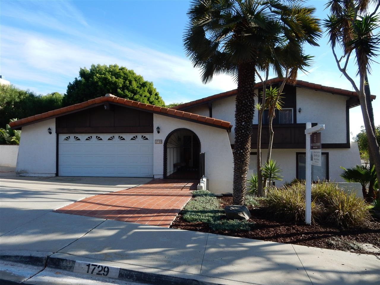 Main Photo: CARLSBAD WEST House for sale : 4 bedrooms : 1729 Calavo Court in Carlsbad