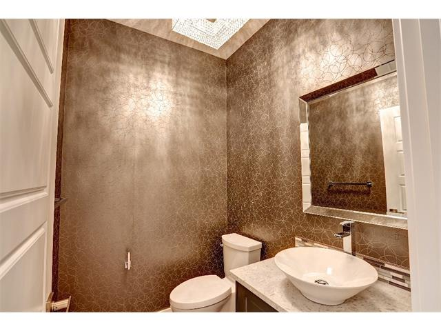 Photo 18: 71 ASPEN CLIFF Close SW in Calgary: Aspen Woods House for sale : MLS(r) # C4013616