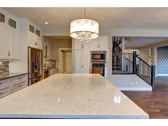 Photo 14: 71 ASPEN CLIFF Close SW in Calgary: Aspen Woods House for sale : MLS(r) # C4013616