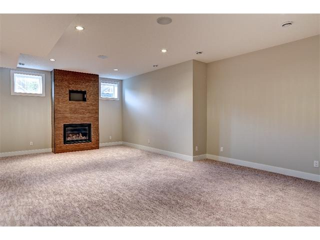 Photo 32: 71 ASPEN CLIFF Close SW in Calgary: Aspen Woods House for sale : MLS(r) # C4013616