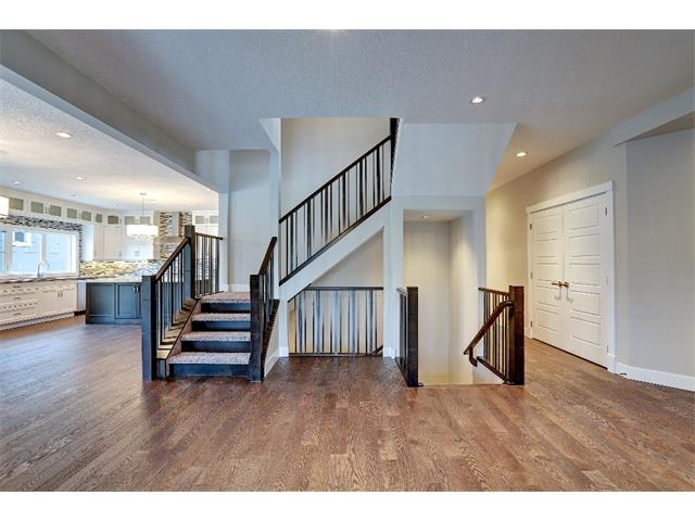 Photo 19: 71 ASPEN CLIFF Close SW in Calgary: Aspen Woods House for sale : MLS(r) # C4013616