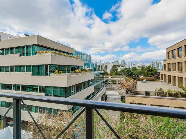 "Photo 11: PH13 511 W 7TH Avenue in Vancouver: Fairview VW Condo for sale in ""Beverly Gardens"" (Vancouver West)  : MLS® # V1140622"