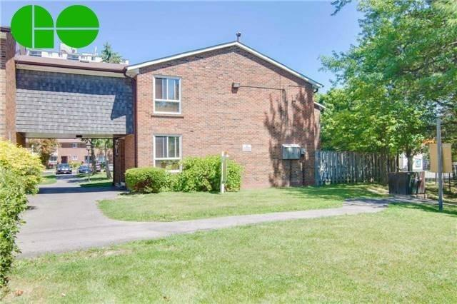 Main Photo: 32 3065 Lenester Drive in Mississauga: Erindale House (2-Storey) for lease : MLS(r) # W3329830
