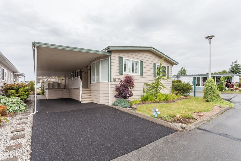 "Main Photo: 34 1640 162 Street in Surrey: King George Corridor Manufactured Home for sale in ""Cherry Brook Park"" (South Surrey White Rock)  : MLS®# R2078301"