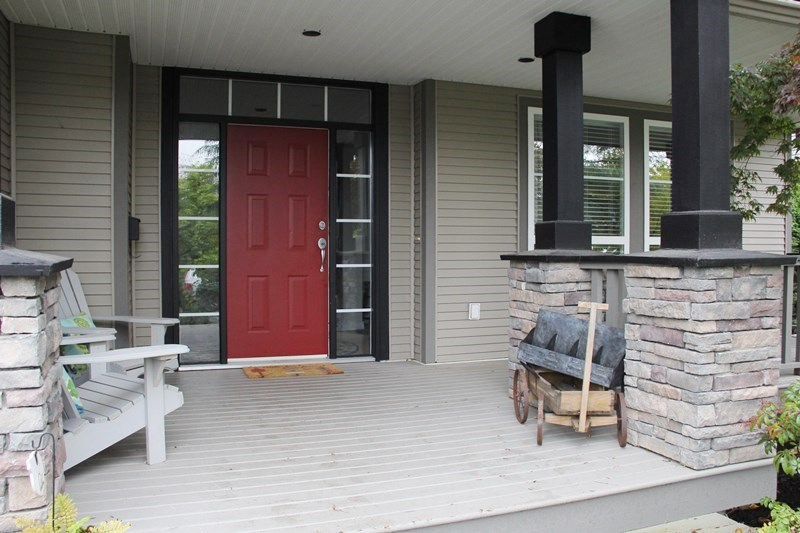"Photo 2: 4926 217B Street in Langley: Murrayville House for sale in ""Creekside"" : MLS(r) # R2118353"