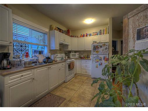 Photo 11: 2798 Guyton Way in VICTORIA: La Langford Lake Single Family Detached for sale (Langford)  : MLS(r) # 373828