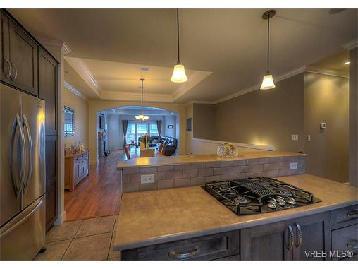 Photo 8: 2798 Guyton Way in VICTORIA: La Langford Lake Single Family Detached for sale (Langford)  : MLS(r) # 373828