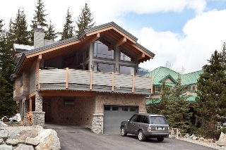 "Main Photo: 7257 SPRUCE GROVE Way in Whistler: Spruce Grove House for sale in ""Spruce Grove"" : MLS(r) # R2137525"