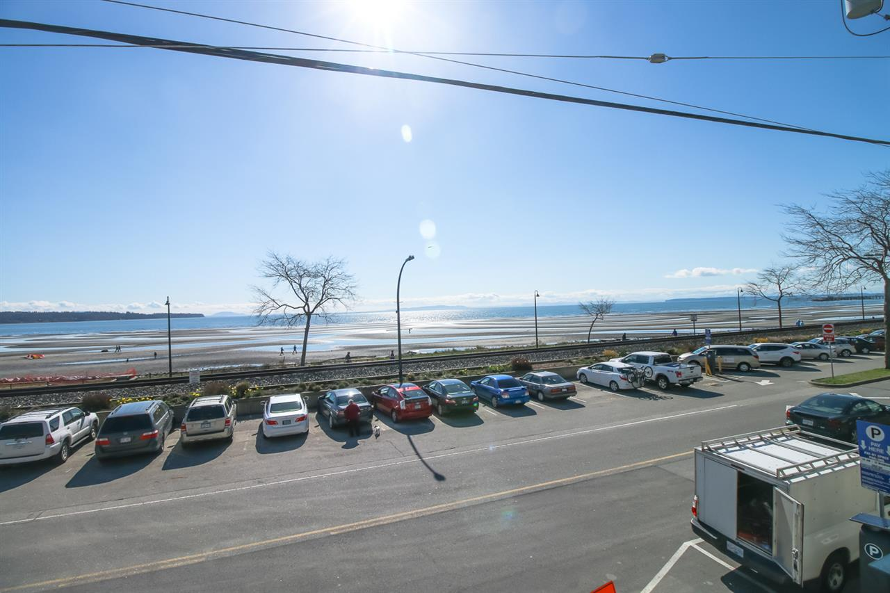 "Main Photo: 202 15581 MARINE Drive: White Rock Condo for sale in ""WAVES WHITE ROCK BEACH"" (South Surrey White Rock)  : MLS(r) # R2152203"