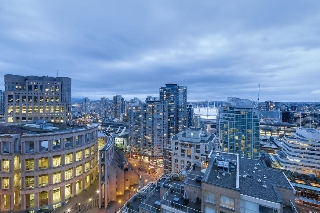 "Main Photo: 2205 833 HOMER Street in Vancouver: Downtown VW Condo for sale in ""The Atelier"" (Vancouver West)  : MLS(r) # R2152475"