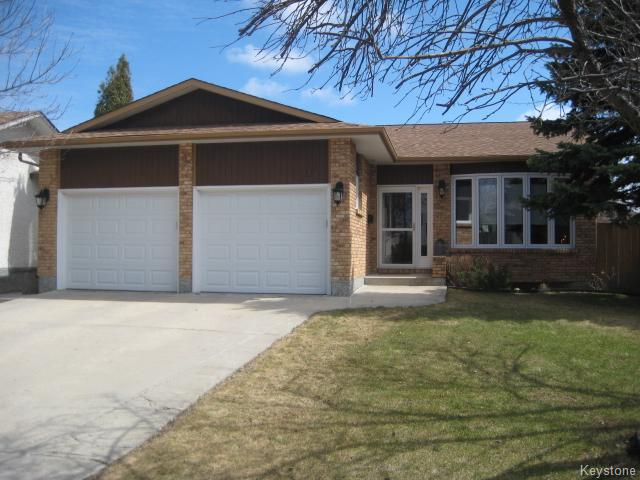 Main Photo: 311 Rose Hill Way in Winnipeg: Meadows West Residential for sale (4L)  : MLS(r) # 1708911