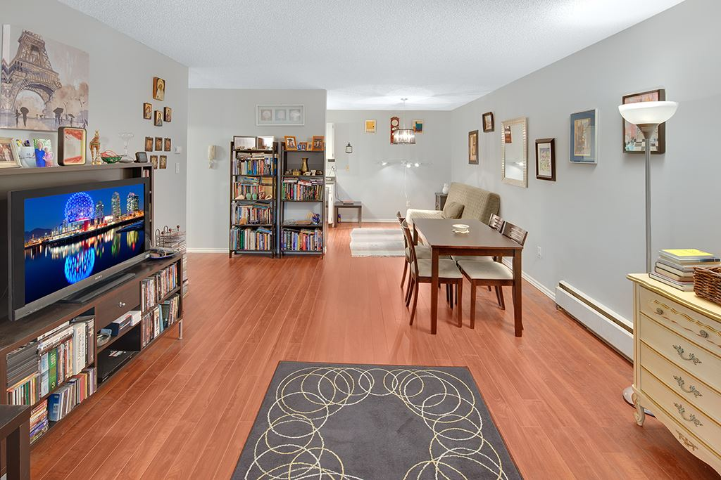 Main Photo: 303 7180 LINDEN Avenue in Burnaby: Highgate Condo for sale (Burnaby South)  : MLS(r) # R2179530