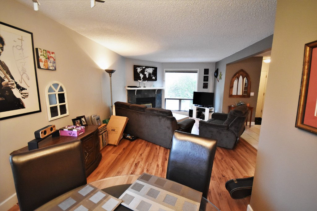Photo 4: 308 2100 43 Avenue in Vernon: Harwood House for sale (North Okanagan)  : MLS(r) # 10134465