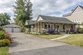 "Main Photo: 34640 3RD Avenue in Abbotsford: Poplar House for sale in ""Huntingdon Village"" : MLS® # R2192199"