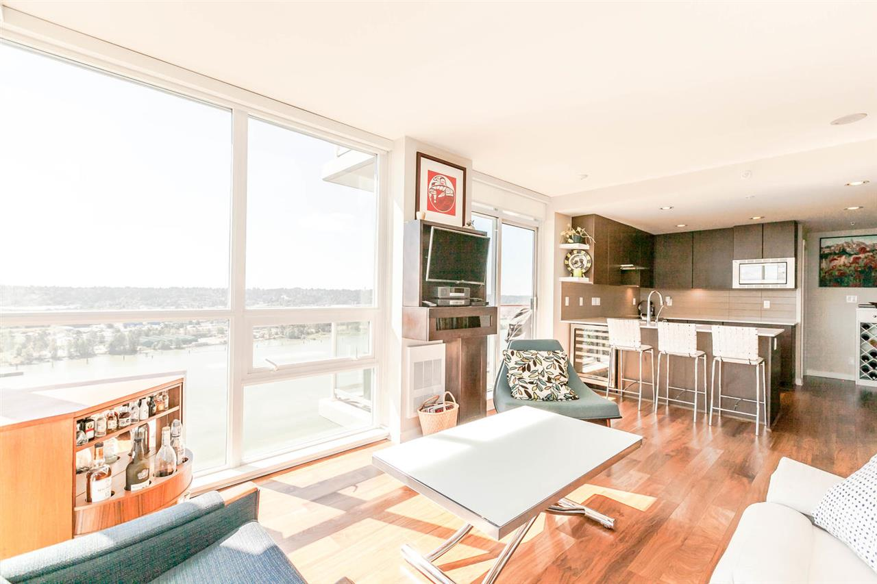"Photo 6: 2003 125 COLUMBIA Street in New Westminster: Downtown NW Condo for sale in ""NORTHBANK"" : MLS® # R2193596"