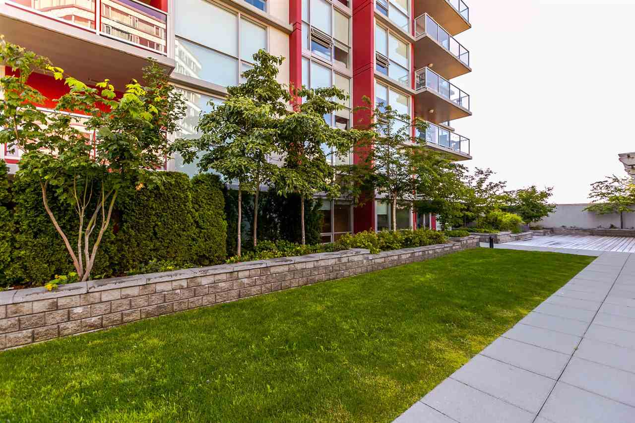 "Photo 16: 2003 125 COLUMBIA Street in New Westminster: Downtown NW Condo for sale in ""NORTHBANK"" : MLS® # R2193596"