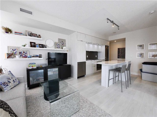 Main Photo: 823 170 Sumach Street in Toronto: Regent Park Condo for lease (Toronto C08)  : MLS® # C3900762