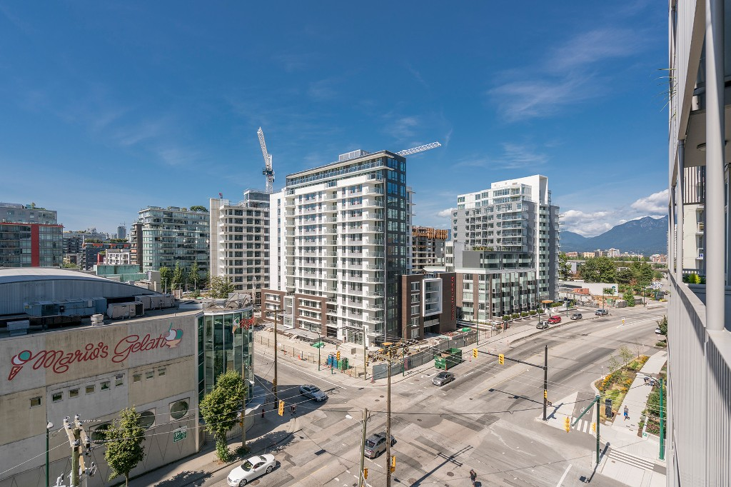 "Photo 17: Photos: 806 108 E 1ST Avenue in Vancouver: Mount Pleasant VE Condo for sale in ""Meccanica"" (Vancouver East)  : MLS® # R2199007"