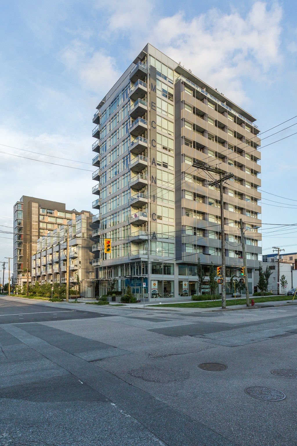 "Photo 24: Photos: 806 108 E 1ST Avenue in Vancouver: Mount Pleasant VE Condo for sale in ""Meccanica"" (Vancouver East)  : MLS® # R2199007"