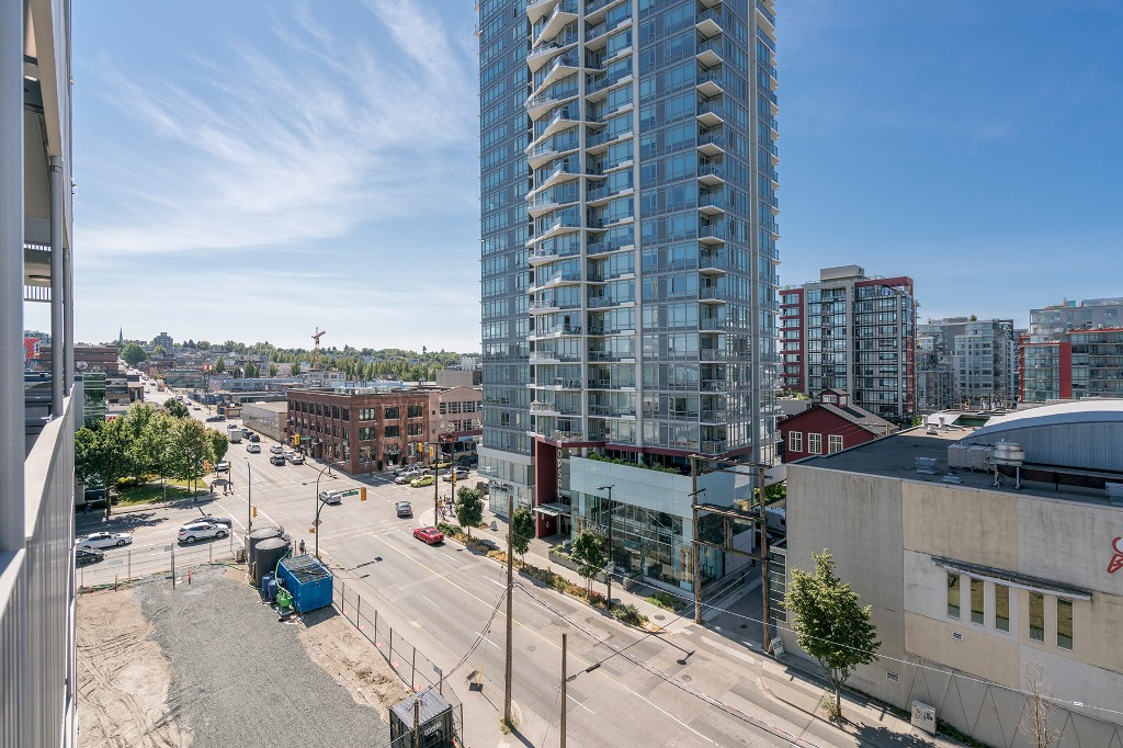 "Photo 16: Photos: 806 108 E 1ST Avenue in Vancouver: Mount Pleasant VE Condo for sale in ""Meccanica"" (Vancouver East)  : MLS® # R2199007"