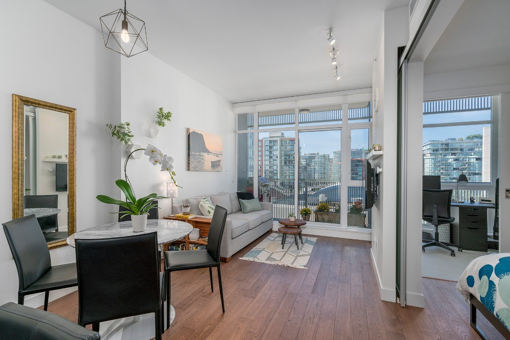 "Photo 2: Photos: 806 108 E 1ST Avenue in Vancouver: Mount Pleasant VE Condo for sale in ""Meccanica"" (Vancouver East)  : MLS® # R2199007"