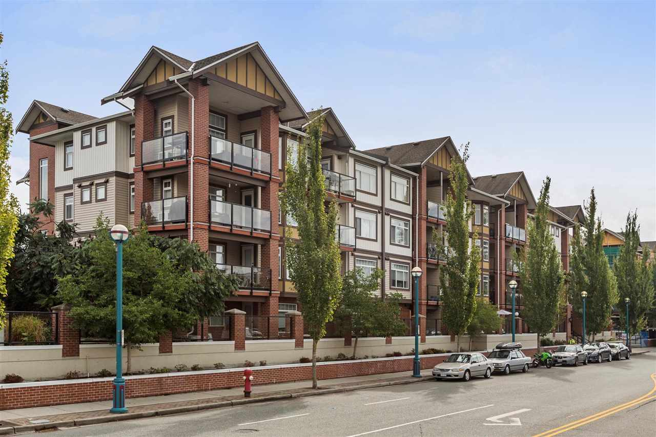 "Main Photo: 244 5660 201A Street in Langley: Langley City Condo for sale in ""Paddington Station"" : MLS® # R2207680"