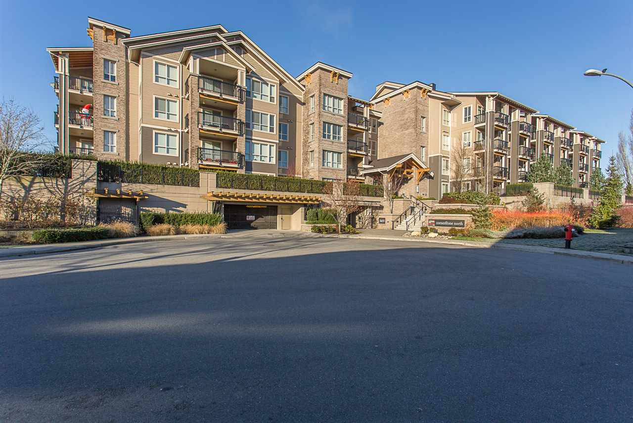 "Main Photo: 121 5655 210A Street in Langley: Salmon River Condo for sale in ""CORNERSTONE NORTH"" : MLS®# R2226859"