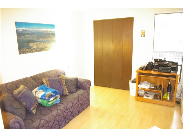 "Photo 7: # 306 110 7 ST in New Westminster: Uptown NW Condo for sale in ""VILLA MONTEREY"" : MLS® # V929454"