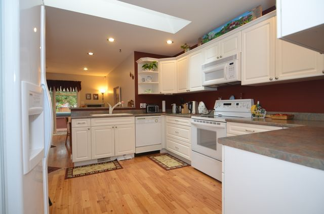 Photo 7: Photos: 3555 HIDDEN OAKS CRESCENT in COBBLE HILL: House for sale : MLS® # 362137