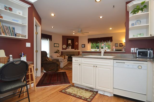 Photo 9: Photos: 3555 HIDDEN OAKS CRESCENT in COBBLE HILL: House for sale : MLS® # 362137