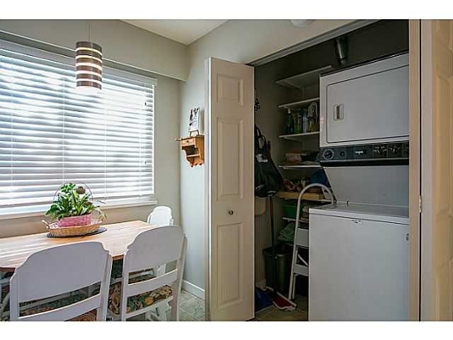 "Photo 13: 47 4800 TRIMARAN Drive in Richmond: Steveston South Townhouse for sale in ""BIRCHWOOD ESTATES"" : MLS(r) # V1047659"